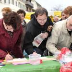 Signature de pétitions sur le marché de Ville-Gozet dans Articles de presse HôpitalPétition-150x150